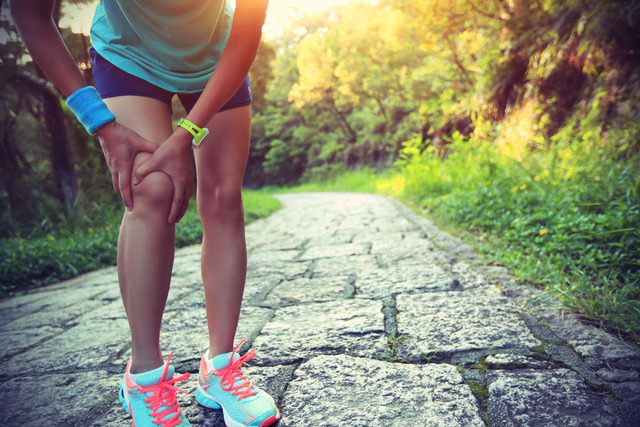 Arthritis and instability of the kneecap